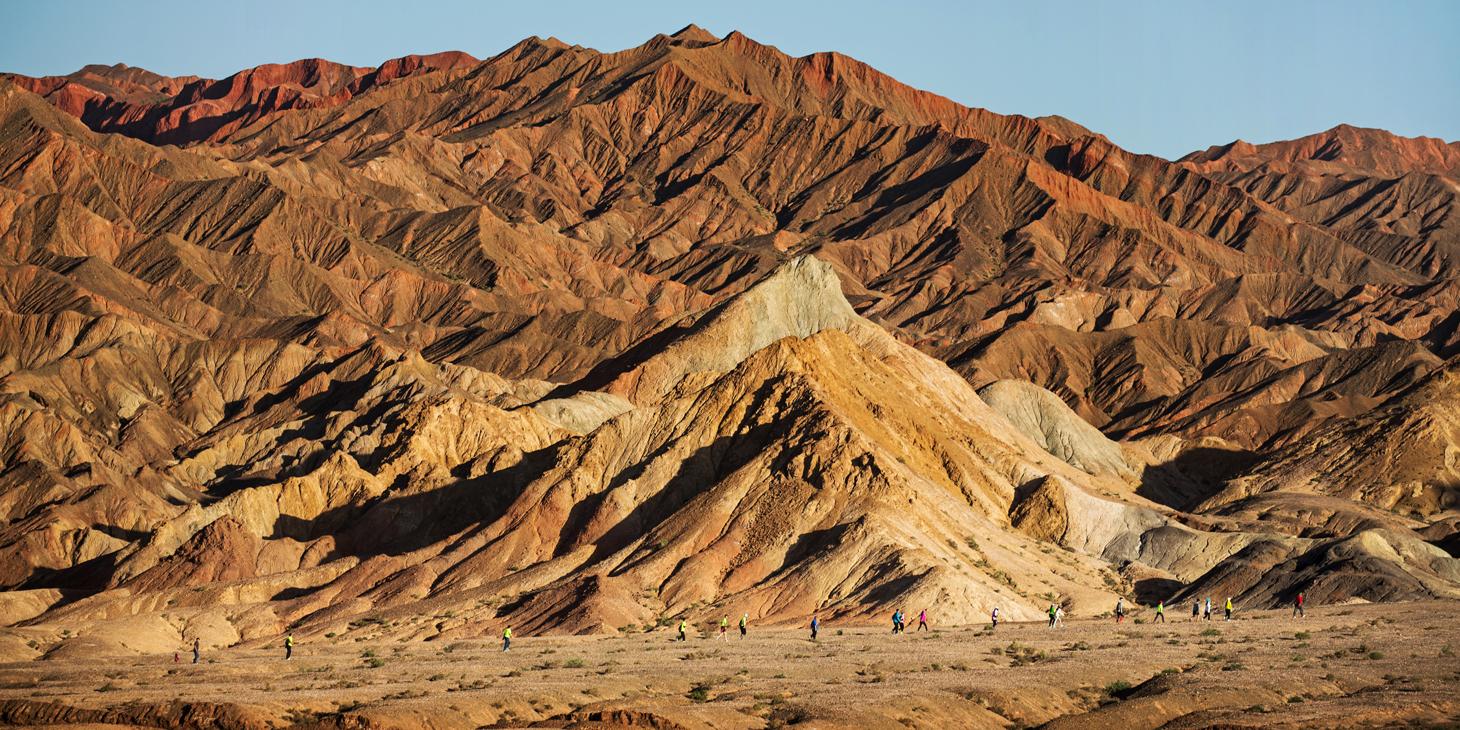 Devil's Ridge in the Gobi Desert. ©China Mountain Trails