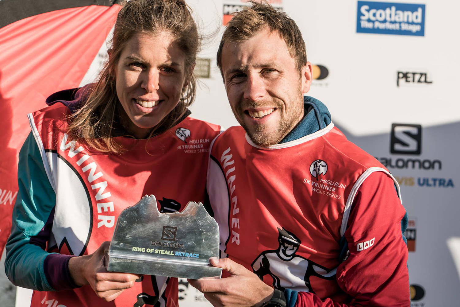 Laura Orgué and Stian Angermund-Vik, race winners of the Salomon Ring of Steall, valid for the Sky Classic rankings. ©iancorless.com / SWS